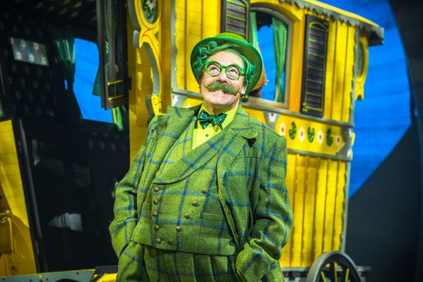 rufus-hound-as-mr-toad-in-the-wind-in-the-willows-photo-by-marc-brenner-jamie-hendry-productions
